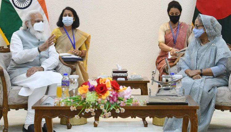 మోదీ బంగ్లా పర్యటనలో ఐదు ఒప్పందాలపై సంతకాలు