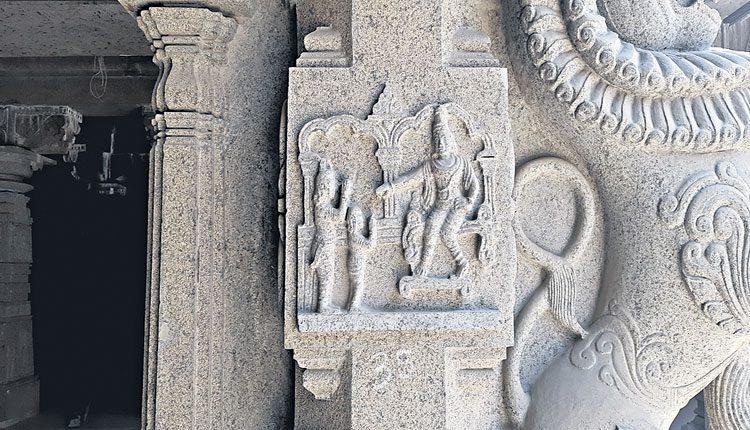 యాదాద్రిలో ప్రహ్లాదుడి ఘట్టాలు