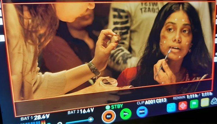 'రూహి' నుంచి స్టన్నింగ్ స్టిల్స్ షేర్ చేసిన జాన్వీకపూర్