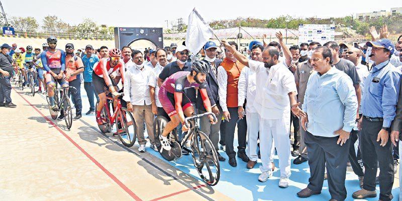 జాతీయ సైక్లింగ్ టోర్నీ షురూ