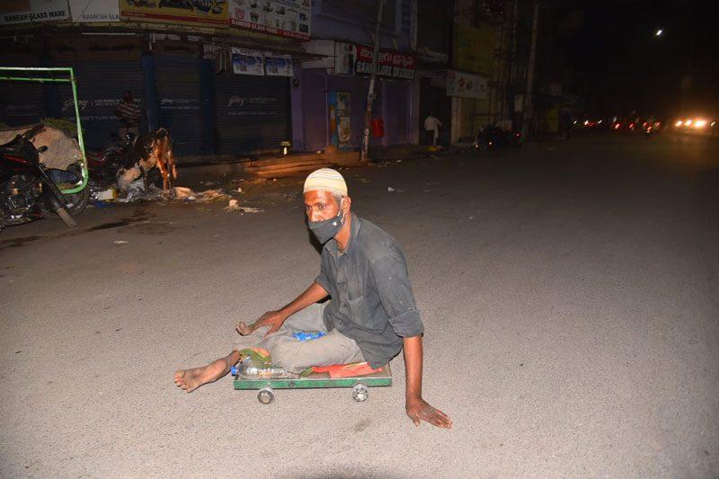 రాష్ట్రంలో నైట్ కర్ఫ్యూ షురూ.. రోడ్లు ఖాళీ