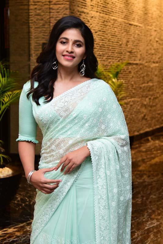 Anjali At Vakeel Saab Maguva Nee Vijayam Event
