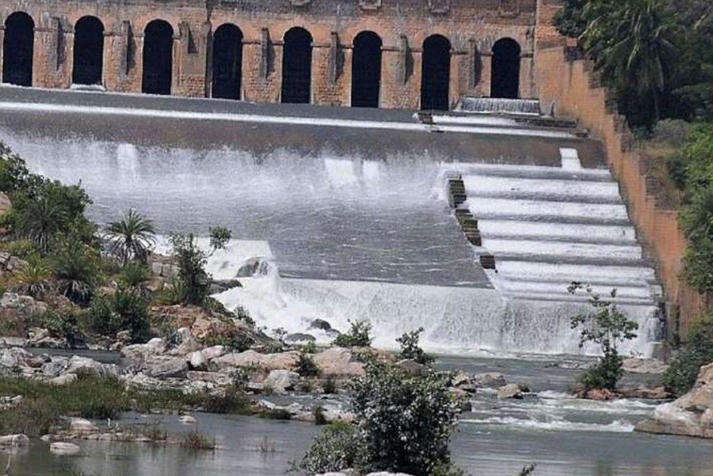కావేరి నదిలో నలుగురు బాలురు గల్లంతు