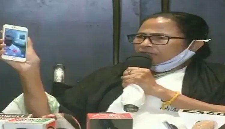 కూచ్ బెహర్ బాధిత కుటుంబాలను 14న కలుస్తా: మమత
