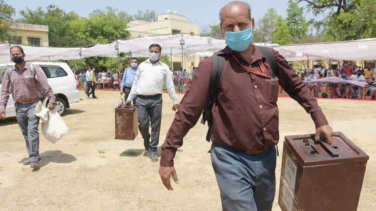 కరోనా సోకి 577 మంది టీచర్లు బలి..