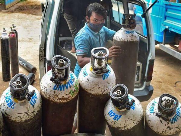 బ్లాక్ మార్కెట్ రాబందులకు చెక్ :  కేజ్రీవాల్ సర్కార్ కు హైకోర్టు ఆదేశం