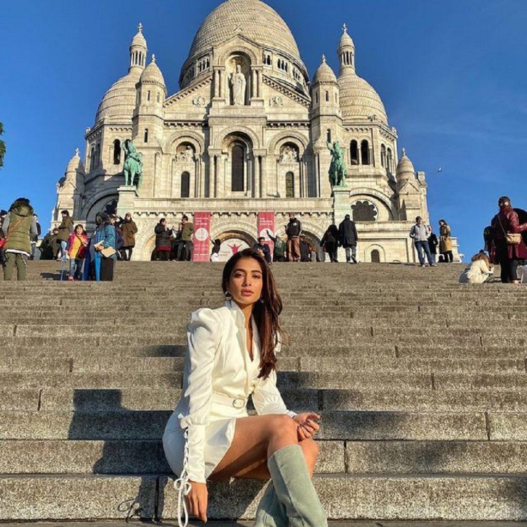 Pooja Hegde : బుట్టబొమ్మ పూజా హెగ్డే బ్యూటిఫుల్ పిక్స్