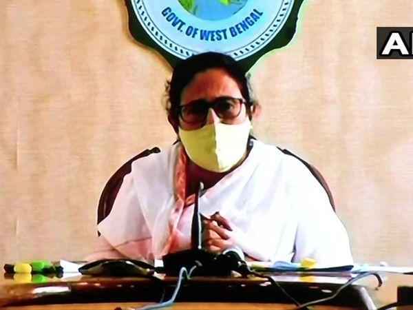 ప్రధానితో భేటీ : సీఎంల స్థాయి దిగజార్చారని దీదీ ఫైర్!