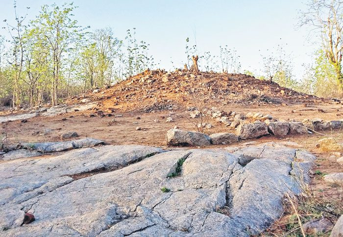 తొలి బౌద్ధ స్తూపంబావాపూర్ కుర్రు