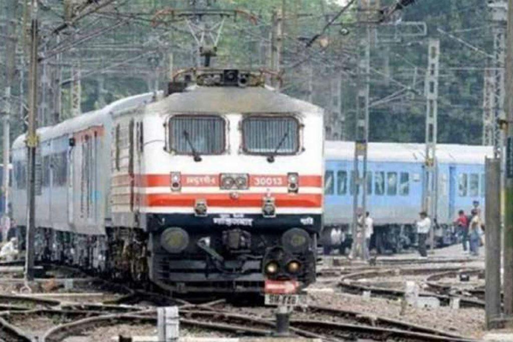 Alert : మరో 28 రైళ్లను రద్దు చేసిన దక్షిణ మధ్య రైల్వే