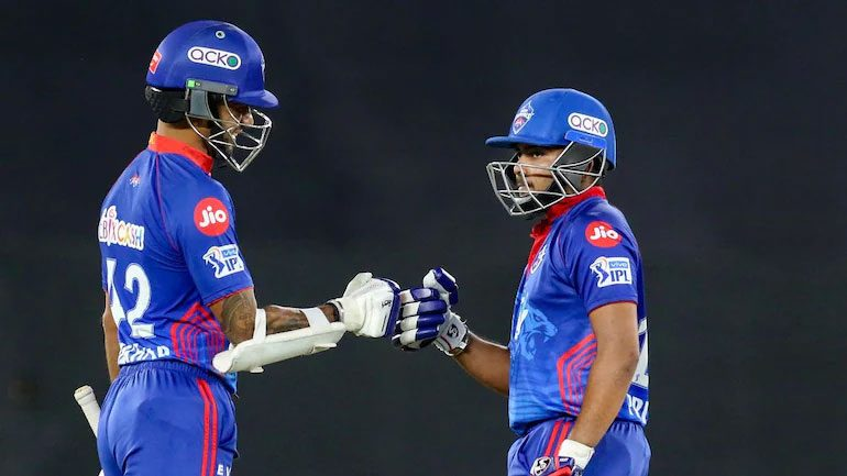 IPL 2021: ప్లేఆఫ్కు చేరువలో క్యాపిటల్స్..అట్టడుగున సన్రైజర్స్