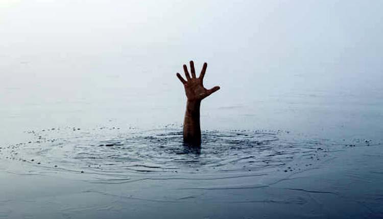 సీలేరు నదిలో నాటుపడవల మునక.. ఒకరి మృతి.. ఏడుగురు గల్లంతు