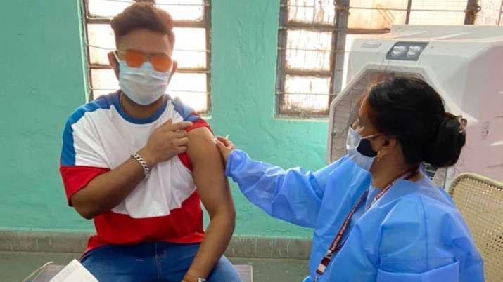 COVID-19 vaccine: కొవిడ్ వ్యాక్సిన్ వేసుకున్న రిషబ్ పంత్
