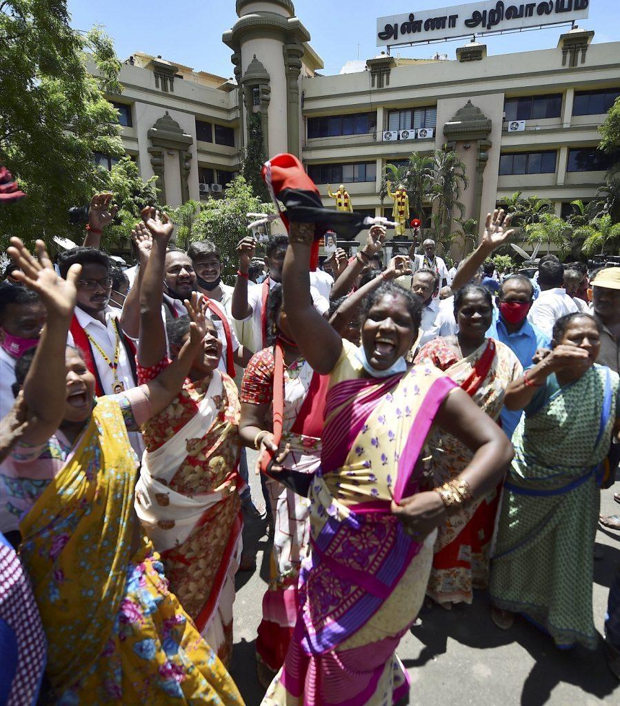 Tamilnadu Assembly elections : తమిళనాడులో డీఎంకే సంబురాలు