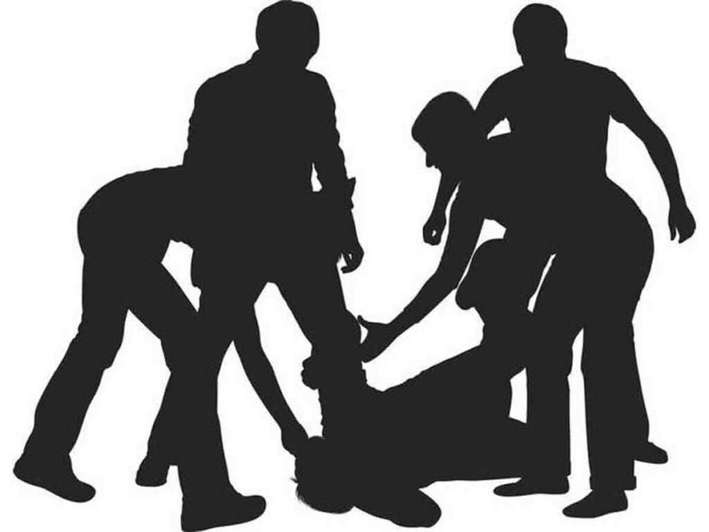 డీజే ఆపించాడని ట్రైనీ ఎస్ఐపై దాడి.. 10 మంది యువకులపై కేసు