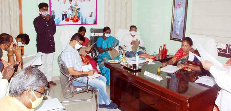 ప్రభుత్వ లక్ష్యం నెరవేర్చాలి