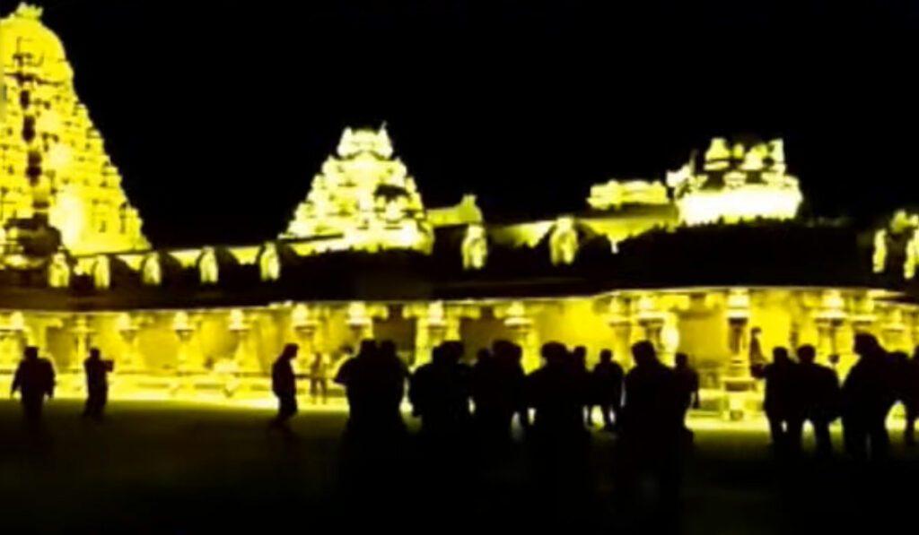 స్వర్ణకాంతుల్లో యాదాద్రి ఆలయం