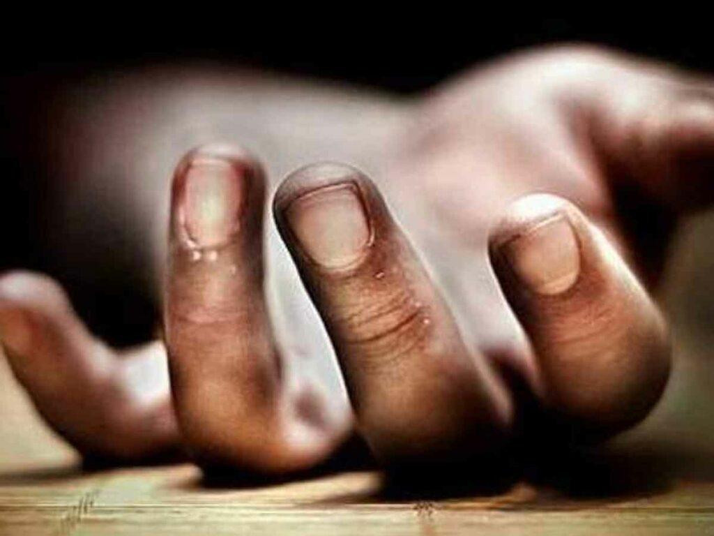 కామారెడ్డి జిల్లాలో కారు బోల్తా.. ఒకరి మృతి
