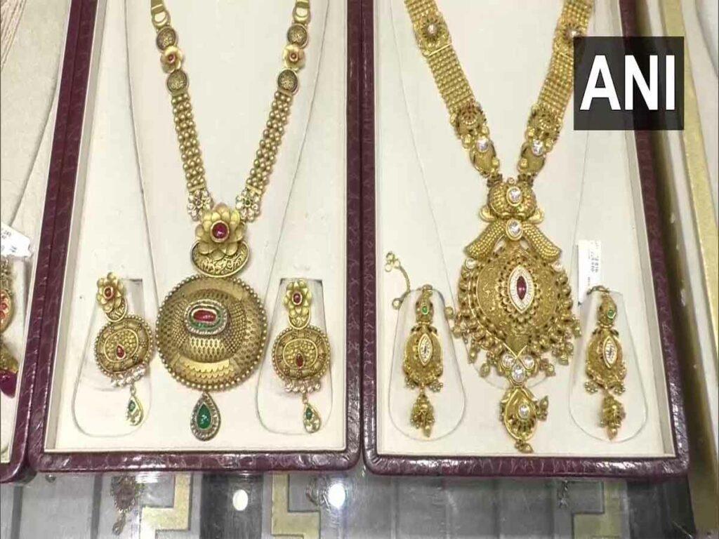 బంగారు ఆభరణాలపై హాల్మార్క్.. స్వాగతించిన జ్వలరీ షాపు ఓనర్లు
