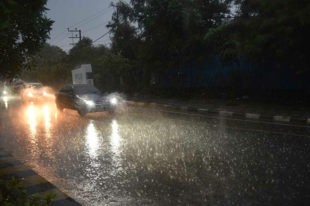 News in Pics: హైదరాబాద్లో పలు ప్రాంతాల్లో భారీ వర్షం