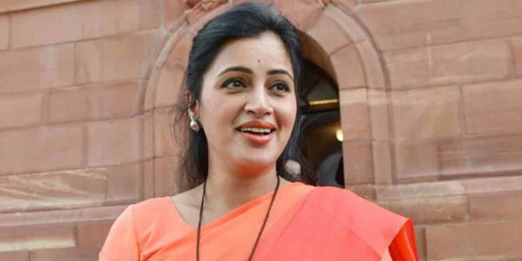 Caste certificate case : నవనీత్ కౌర్కు ఊరట.. బొంబాయి హైకోర్టు ఉత్తర్వులపై సుప్రీం కోర్టు స్టే