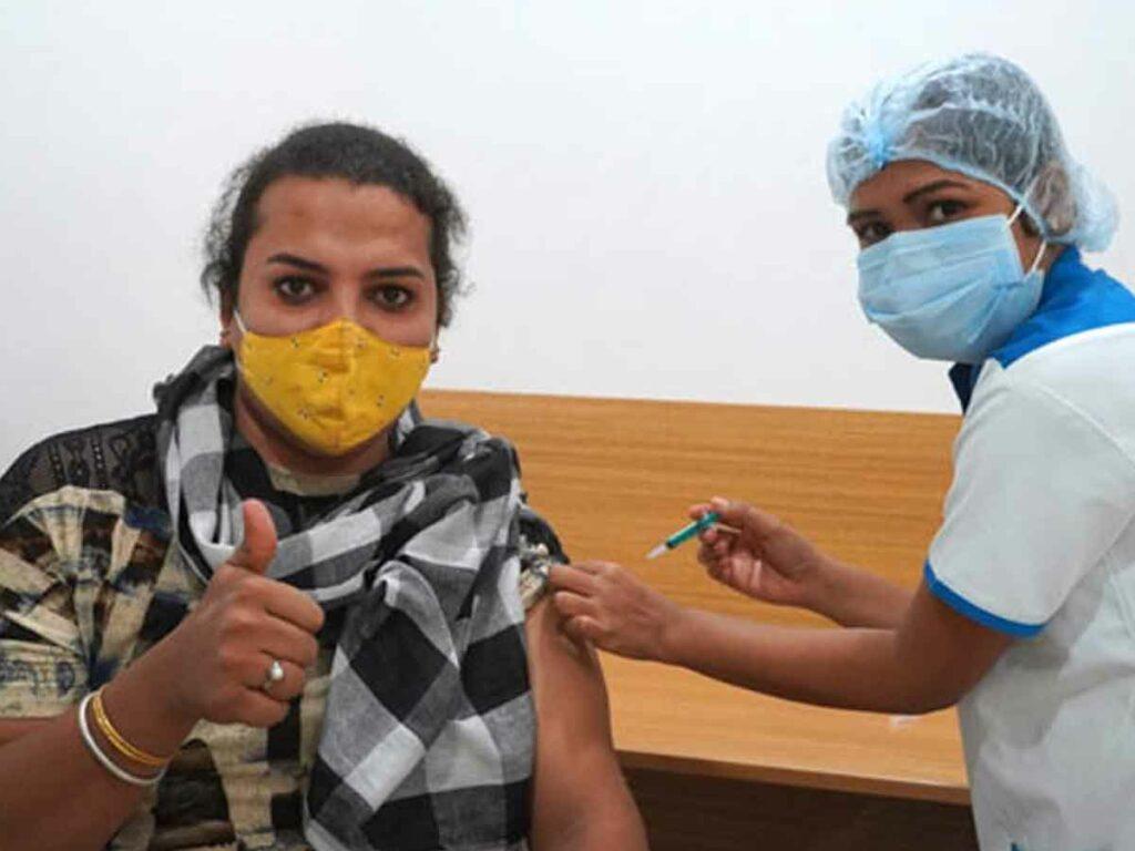 Covid Vaccine: మారుమూల ప్రాంతాలకు డ్రోన్లతో పంపిణీ.. ఎందుకంటే!