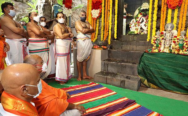 ఆకాశగంగ వద్ద తొలిసారిగా  హనుమాన్ జయంతి  వేడుకలు:  టీటీడీ ఈవో