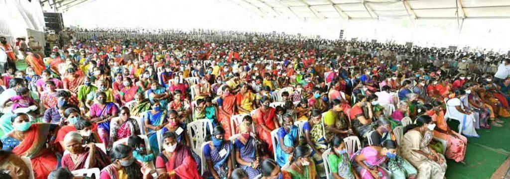 వాసాలమర్రిలో సీఎం కేసీఆర్ సహపంక్తి భోజనం
