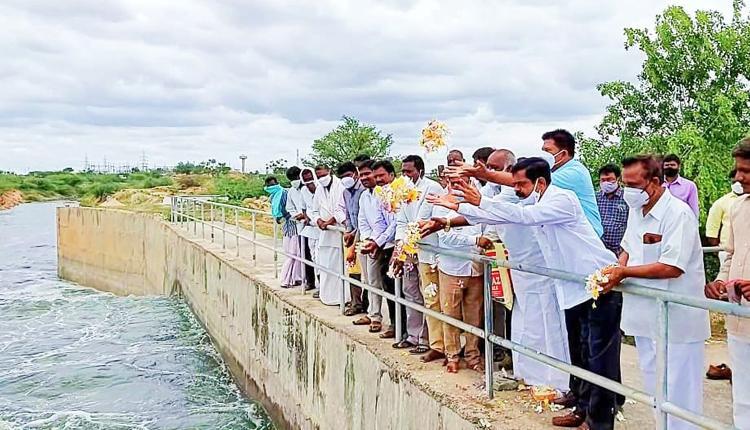 వానకాలం పంటలకు సమృద్ధిగా సాగునీరు