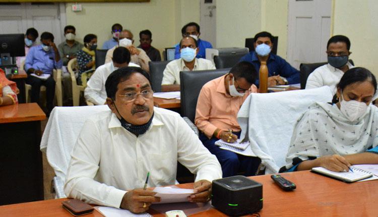 'స్థానిక' అభివృద్ధిపై ప్రత్యేక దృష్టి