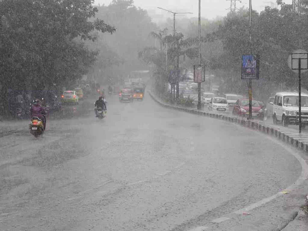 హైదరాబాద్లో పలు ప్రాంతాల్లో వాన