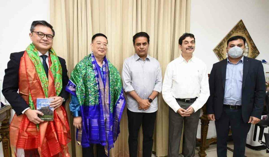 మంత్రి కేటీఆర్ను కలిసిన సింగపూర్ హైకమిషనర్