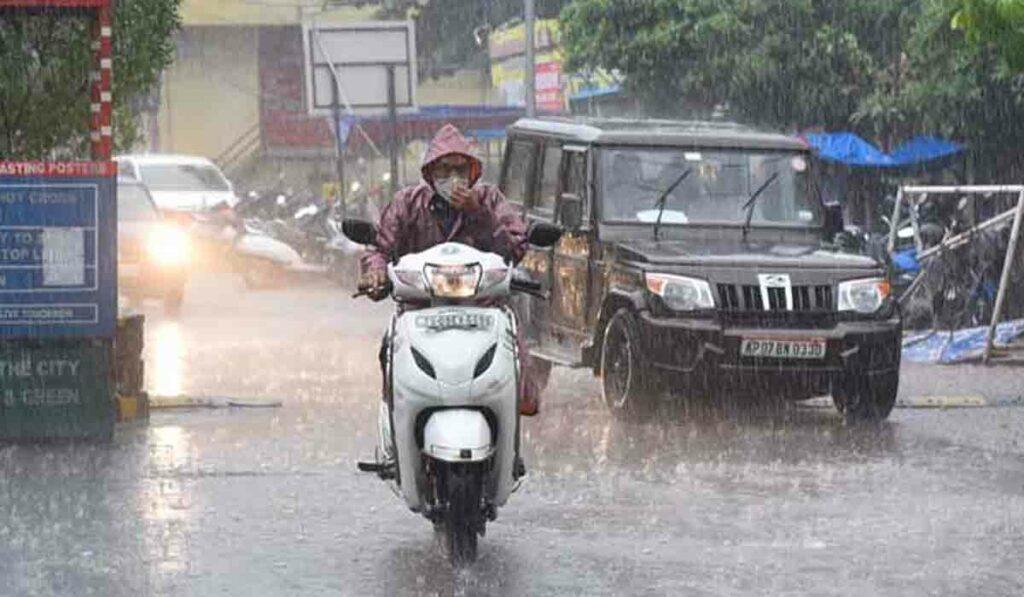 హైదరాబాద్లో 70 శాతం అధికంగా వర్షపాతం