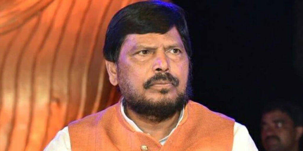 మహారాష్ట్రలో బీజేపీ, ఎన్సీపీ ప్రభుత్వం..!