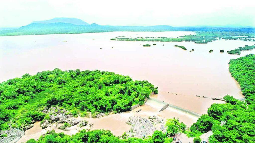 'ప్రపంచ పర్యాటక' రేసులో రామప్ప, బయ్యారం పెద్ద చెరువులు
