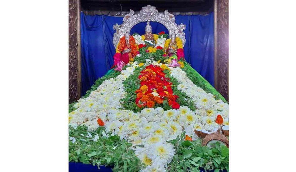 తొలి ఏకాదశి.. యాదాద్రిలో లక్ష పుష్పార్చన