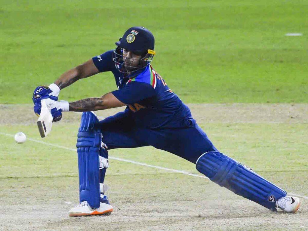 IND vs SL :ఇషాన్ కిషన్ హాఫ్ సెంచరీ