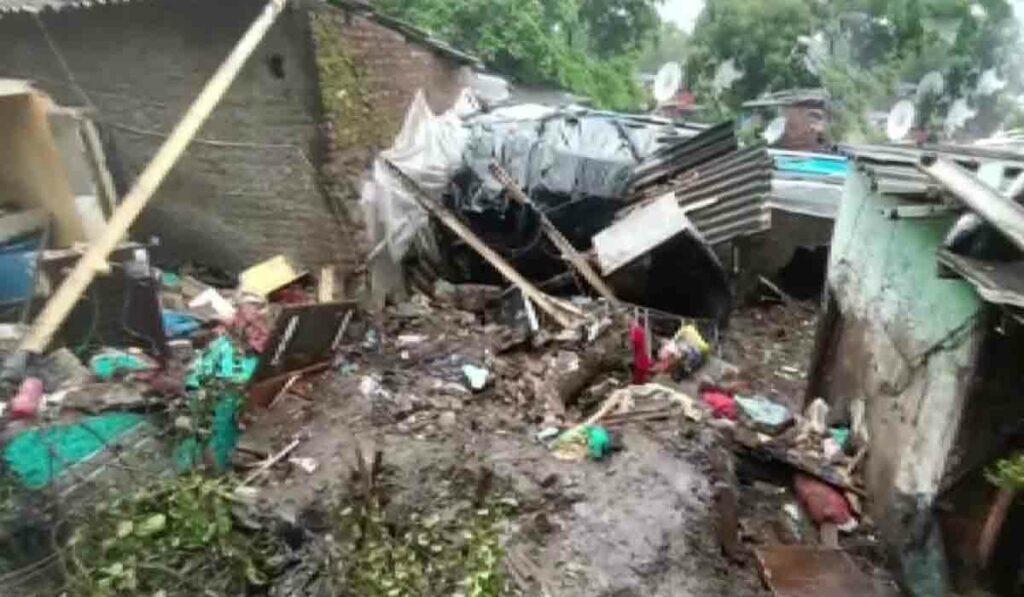 మహారాష్ట్రలో విరిగిపడిన కొండచరియలు.. 12 మంది మృతి