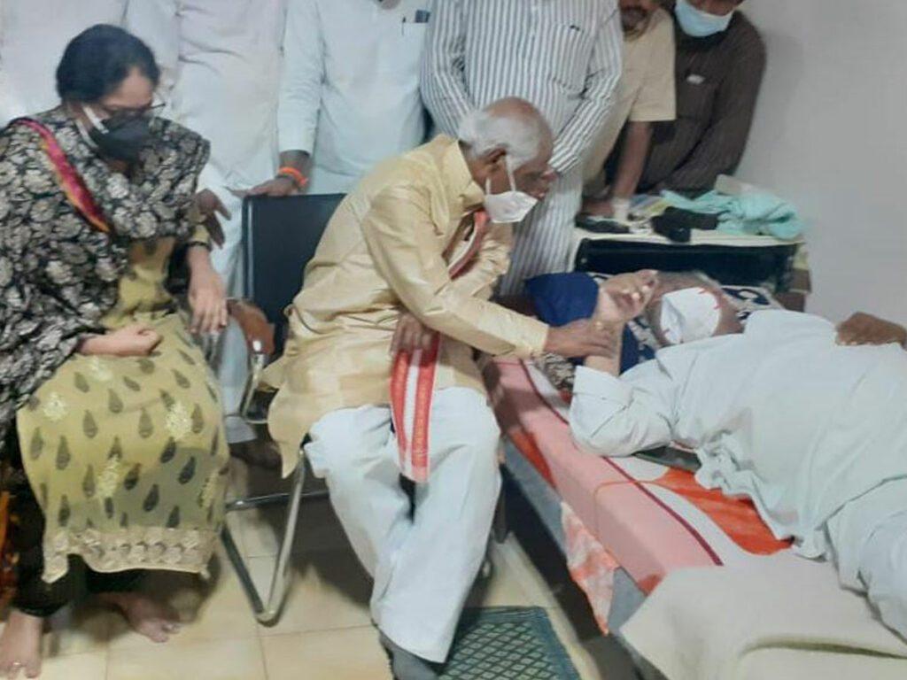 హనుమంతరావును పరామర్శించిన గవర్నర్ దత్తాత్రేయ