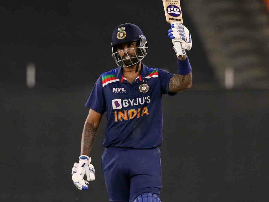 IND vs Sri Lanka : కష్టాల్లో టీమిండియా.. 30 ఓవర్లకు భారత్ స్కోర్ 175/6