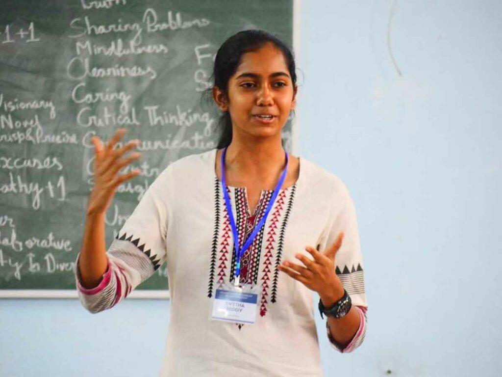 తెలుగు విద్యార్థినికి యూఎస్ కాలేజీ రూ.2 కోట్ల స్కాలర్షిప్
